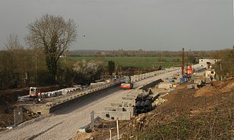 Islip railway station - New platforms being built in April 2015