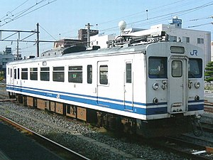 123 series - Image: JR West EMU kumoha 123 3