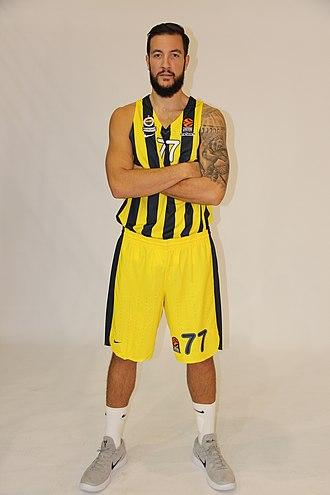 Joffrey Lauvergne - Lauvergne on the media day of Fenerbahçe in September 2018