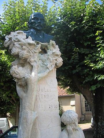 Памятник Рыжику и его автору