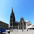 Köln Roncalliplatz, Domsüdseite.jpg