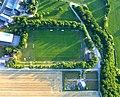 Kümbdchen – Sportplatz und Friedhof - panoramio.jpg