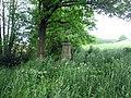 Kříž východně od Pole u Pálenického potoka (Q80461222).jpg