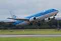 """KLM B737, PH-BDC, """"Cornelis de Houtman"""" (3874672656).jpg"""