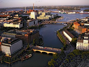 Kaisaniemenlahti from air 2.jpg