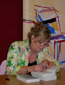 Atkinson signing books at the Edinburgh International Book Festival (August 2007)