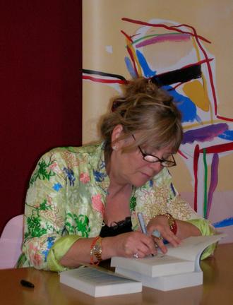 Kate Atkinson - Atkinson signing books at the Edinburgh International Book Festival (August 2007)