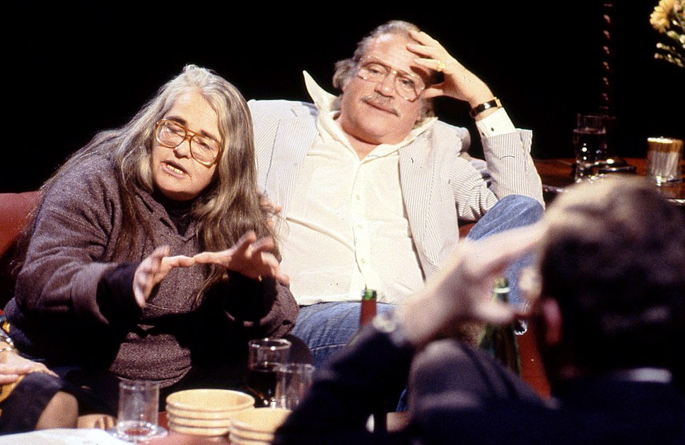 Kate Millett and Oliver Reed appearing on %22After Dark%22, 26 January 1991