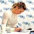 Katie Cassidy at Citizens of Heroes & Villains Fan Fest NYNJ 2016 01.jpg