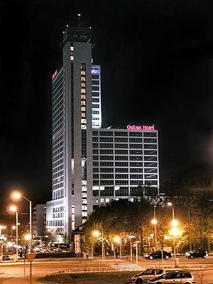 Altus Skyscraper - Image: Katowice Altus Wieczór
