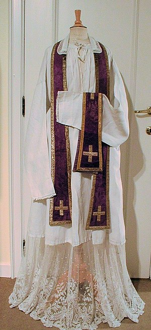 Stole (vestment) - Violet Latin stole and maniple.