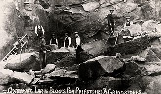 Windy Nook - Quarrymen working at Kell's Quarry. Photograph courtesy of Gateshead Council public archives