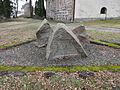 Kirchhof gedenkstein stechow1.JPG