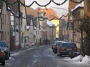 Kleinwallstadt - Image: Kleinwallstadt Hauptstraße im Winter