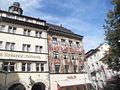 Konstanz domoj Barbarossa kaj Zum Hohen Hafen b.JPG