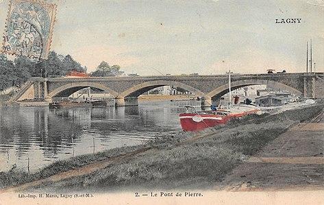 L2493 - Lagny-sur-Marne - Pont de pierre.jpg