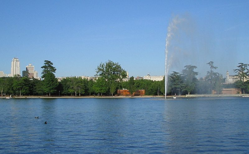 File:Lago de la Casa de Campo.jpg