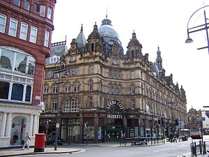 Leeds Kirkgate Market - The Vicar Lane entrance to Leeds Kirkgate Market