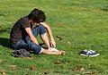 Lendo no parque de Bonaval, Santiago de Compostela.jpg
