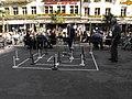 Leute spielen in Bernen Altstadt (2).jpg