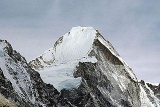Lingtren Himalayan mountain
