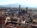 Lucca, Duomo e battistero dalla Torre delle Ore.jpg