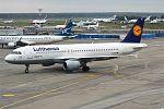 Lufthansa, D-AIPB, Airbus A320-211 (29637736423).jpg