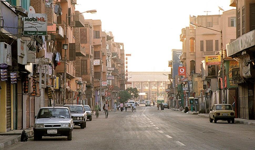 Luxor, Sharia Mahattat, Egypt, Oct 2004