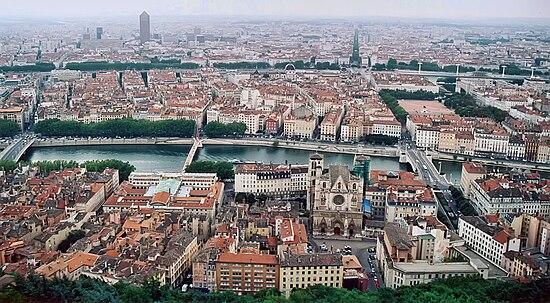 550px-Lyon_vue_depuis_fourviere