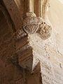 Mènsula amb escut al claustre gòtic del Carme, València.JPG