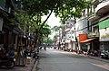 Một phần phố Quang Trung, nhìn ra ngã tư đại lộ Trần Hưng Đạo giao với phố Quang Trung và phố Nguyễn Du, thành phố Hải Dương, tỉnh Hải Dương.jpg