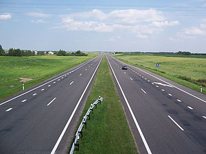M1 highway (Belarus) - View to M1 road at the intersection with the road Pobednoe-Fanipol near Minsk