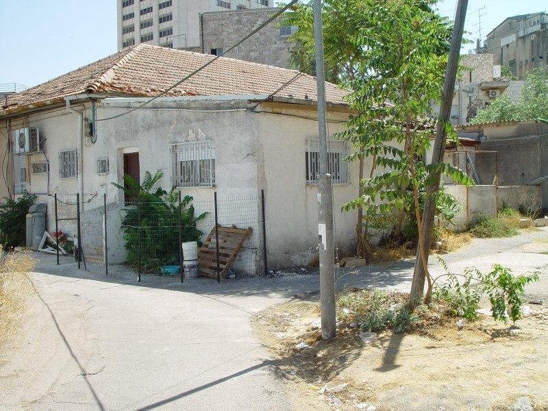M houses 9