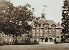 Macdonald Colleges Main Building In The 1940s