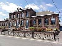 Mairieux (Nord, Fr) mairie-école.JPG