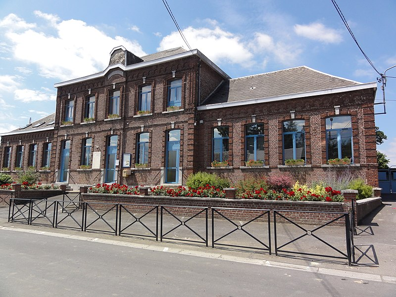 Mairieux (Nord, Fr) mairie-école