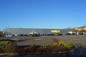 Makro - Makro in Reading, England