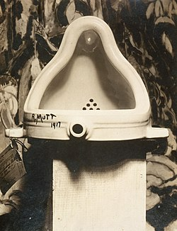 Marcel Duchamp, 1917, Fountain, photograph by Alfred Stieglitz.jpg