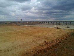 Massingir dam wall, Dec 2014.jpg