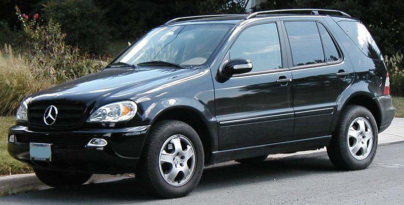 (W163): Retirei diversos acabamentos - questão de gosto 800px-Mercedes-Benz-ML320