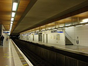 Saint-Denis – Université - Image: Metro SD Uquais