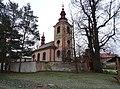Mořina, kostel svatého Stanislava, od severozápadu.jpg
