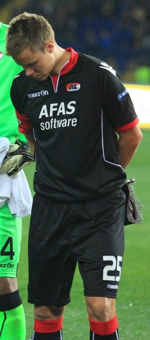 Niklas Moisander - Moisander with AZ.