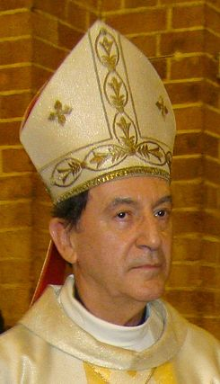 Monseñor Rubén Salazar cropped.jpg