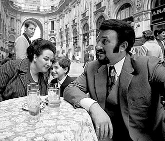 Montserrat Caballé - Caballé with husband and son, 1971