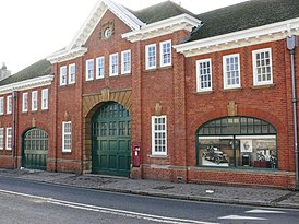 Morris garage, Longwall Street, Oxford.jpg