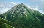 Mount Jonen from Mount Akaiwa 2003-9-14.jpg
