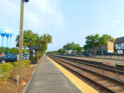How to get to Mount Prospect Metra with public transit - About the place