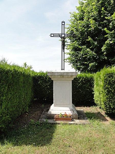Moussy-Verneuil (Aisne) croix de chemin Moussy
