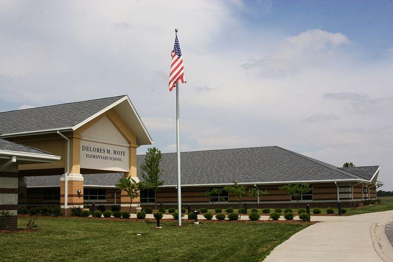 File:Moye Elementary School.JPG